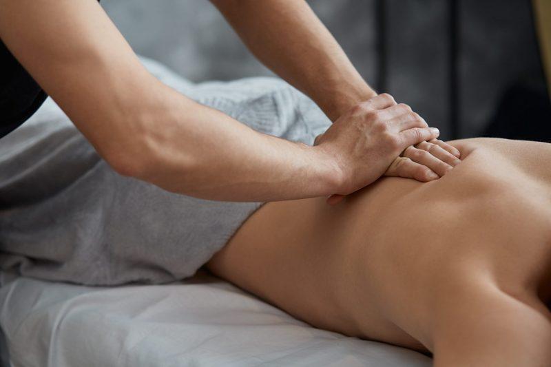 Massage suédois pour relaxation, soulagement et guérison