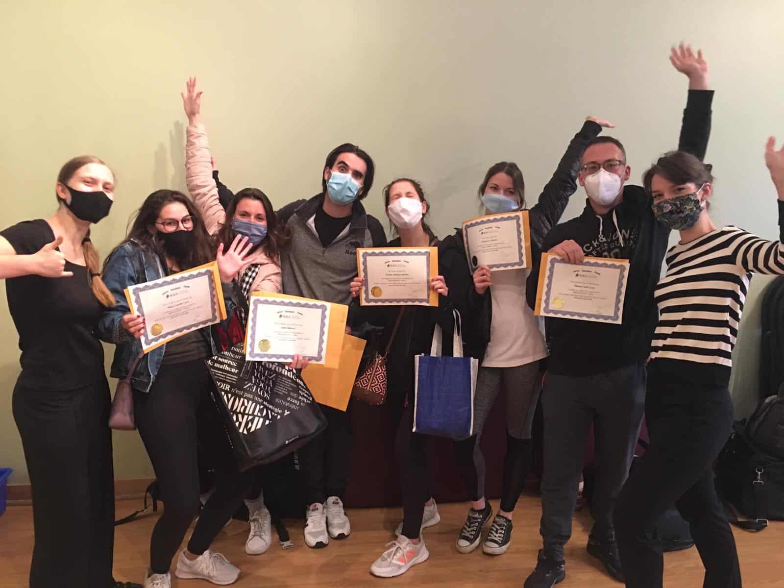 Les diplômés en mobilisation passive ont reçu leur diplôme de l'académie de massothérapie IKRA